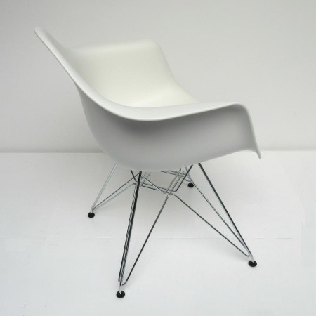 DAR Eames / Dining Arm Chair Vitra