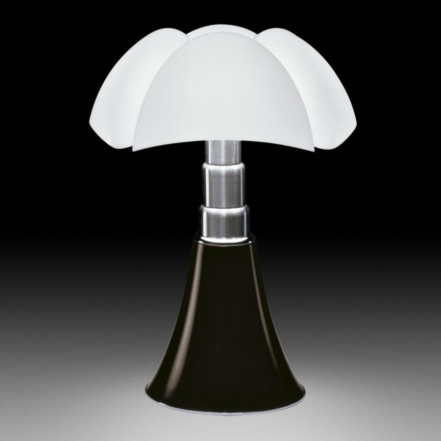 hello design classics pipistrello martinelli luce. Black Bedroom Furniture Sets. Home Design Ideas