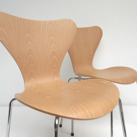 vlinderstoel 2x Arne Jacobsen