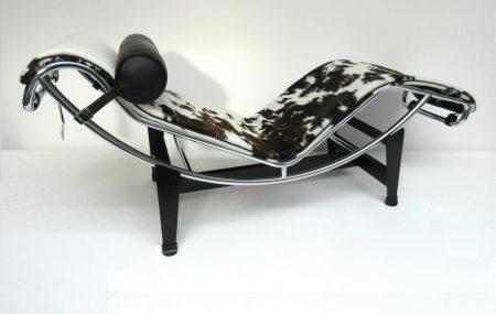 LC4 Cassina / pony tricolore Le Corbusier