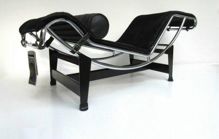 LC4 Cassina / Le Corbusier pony zwart