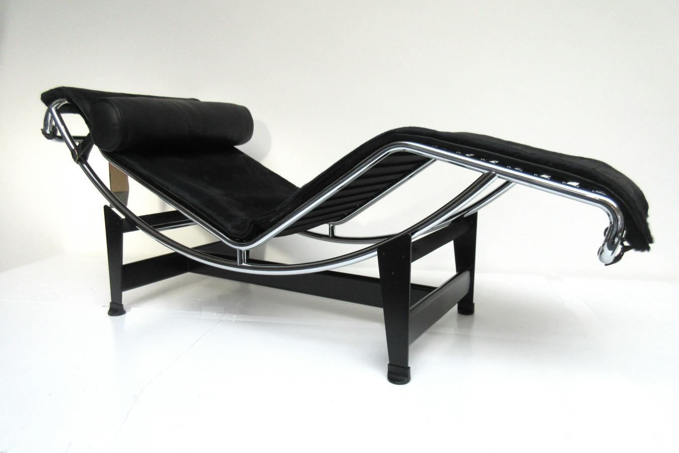 hello design classics lc4 cassina le corbusier pony. Black Bedroom Furniture Sets. Home Design Ideas