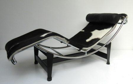LC4 Cassina / vacht zwart wit