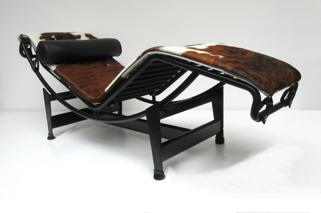 hello design classics lc4 chaise longue le corbusier. Black Bedroom Furniture Sets. Home Design Ideas