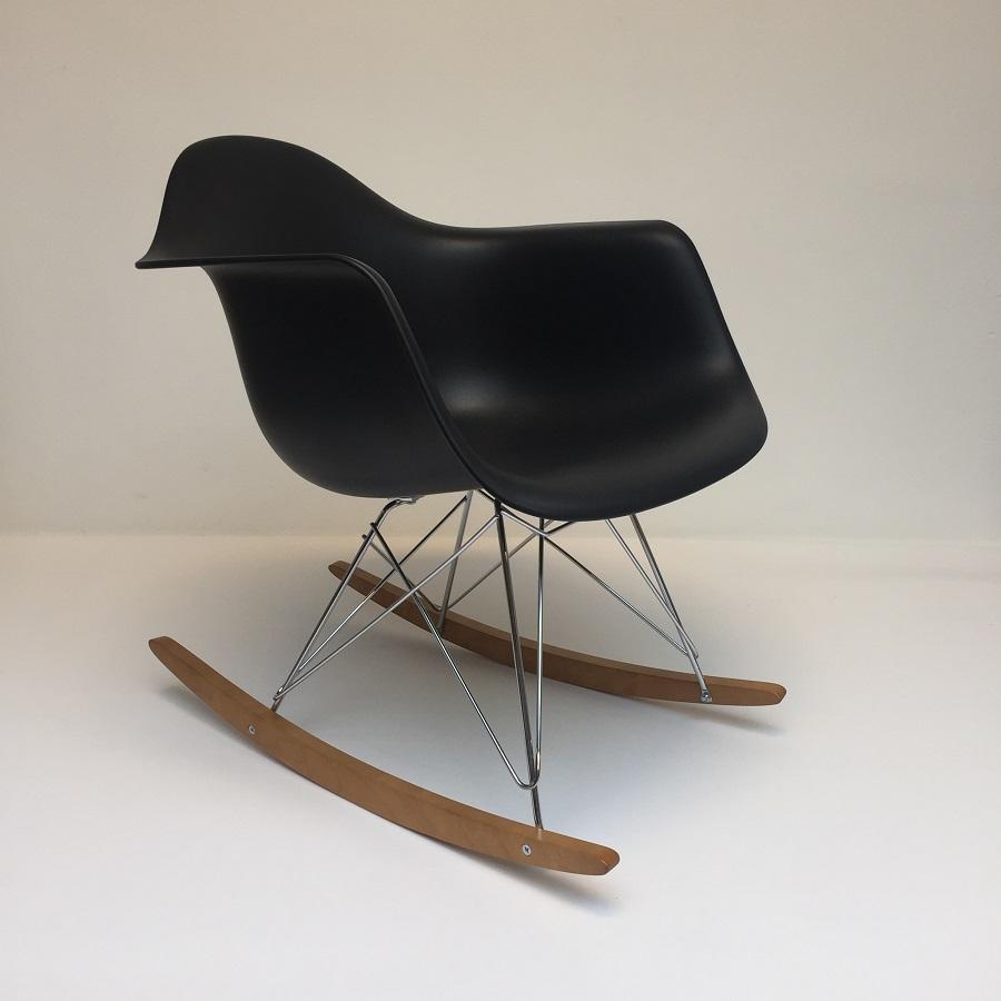 Hello Design Classics Eames Rar Vitra Schommelstoel