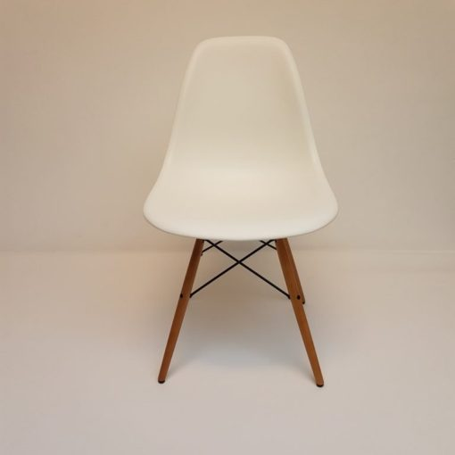 Dining-chair-wood-Eames-vitra-DSW-esdoorn.2