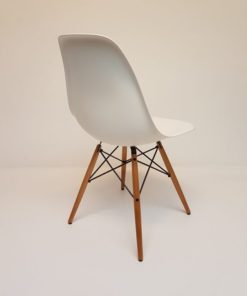 Dining-chair-wood-Eames-vitra-DSW-esdoorn.3