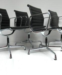 EA108-Eames-Vitra-Stoel-zwart-leer-A