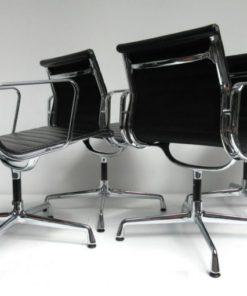 EA108-Eames-Vitra-Stoel-zwart-leer-B