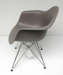 Eames-DAR-Dining-Arm-Chair-Vitra-mauve-grijs-D