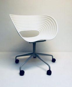 Tom-vac-stoel-met-wielen-Ron-Arad-Vitra.2