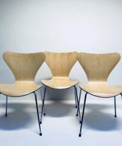 Vlinderstoel-Arne-Jacobsen-Fritz-Hansen-Ahorn.1
