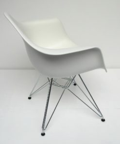 DAR Vitra Dining arm chair wit 1