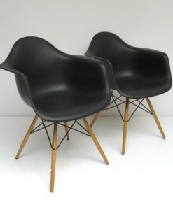 DAW-Eames-Vitra-zwart-A