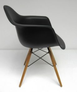 DAW-Eames-Vitra-zwart-B