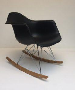 Eames-RAR-Zwart.2