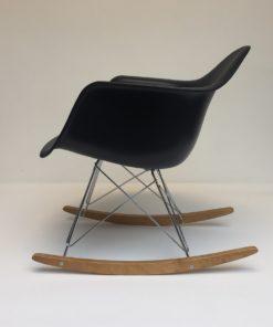 Eames-RAR-Zwart.4