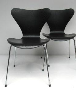 Vlinderstoel 2x Arne Jacobsen Zwart Lazuur-1