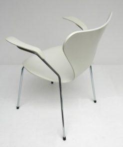 vlinderstoel-Arne-Jacobsen-met-arm-wit-C