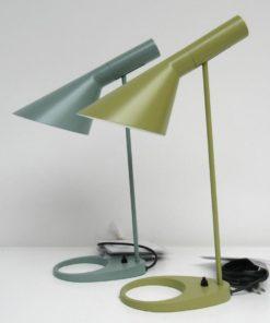 AJ-table-Louis-Poulsen-bureaulamp-A