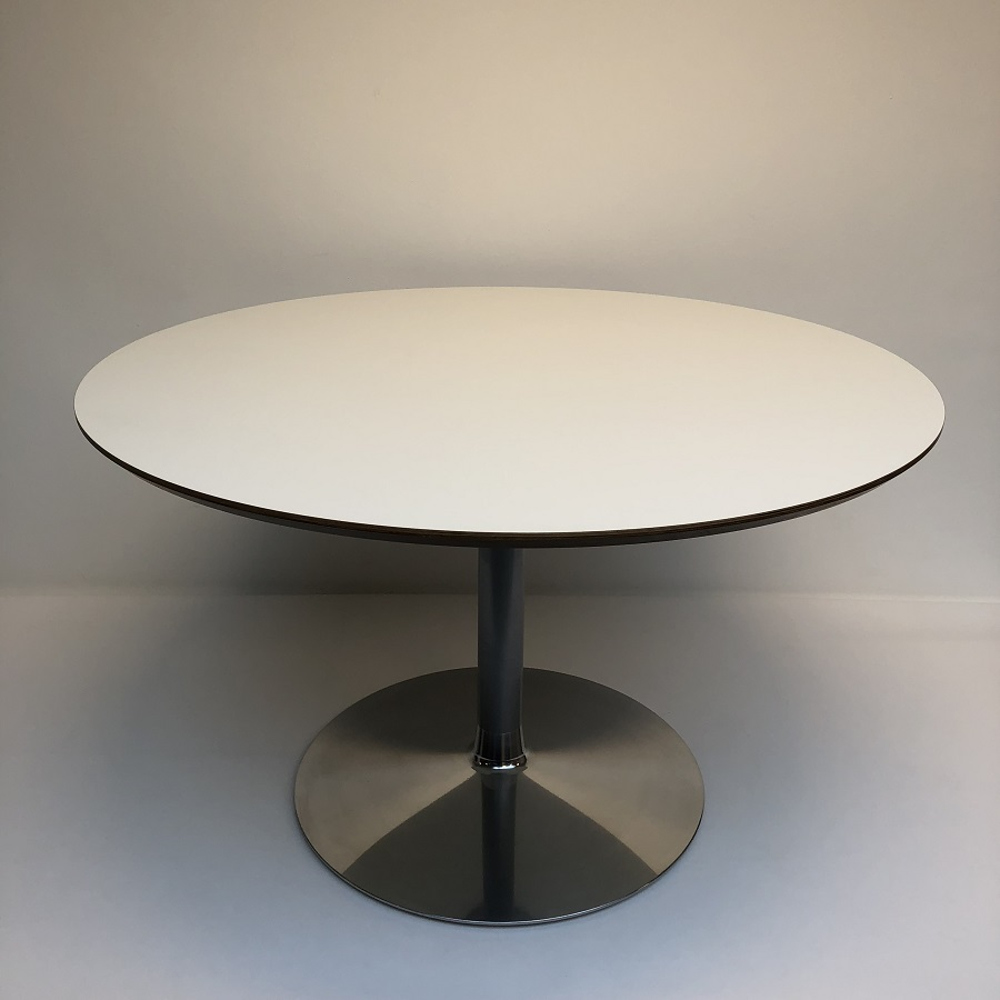 Design Salontafel Artifort.Circle 3 Tafel Artifort Pierre Paulin Hello Design Classics