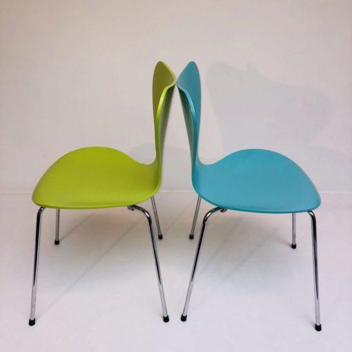 Kleurige-Arne Jacobsen Vlinderstoelen Fritz Hansen-6
