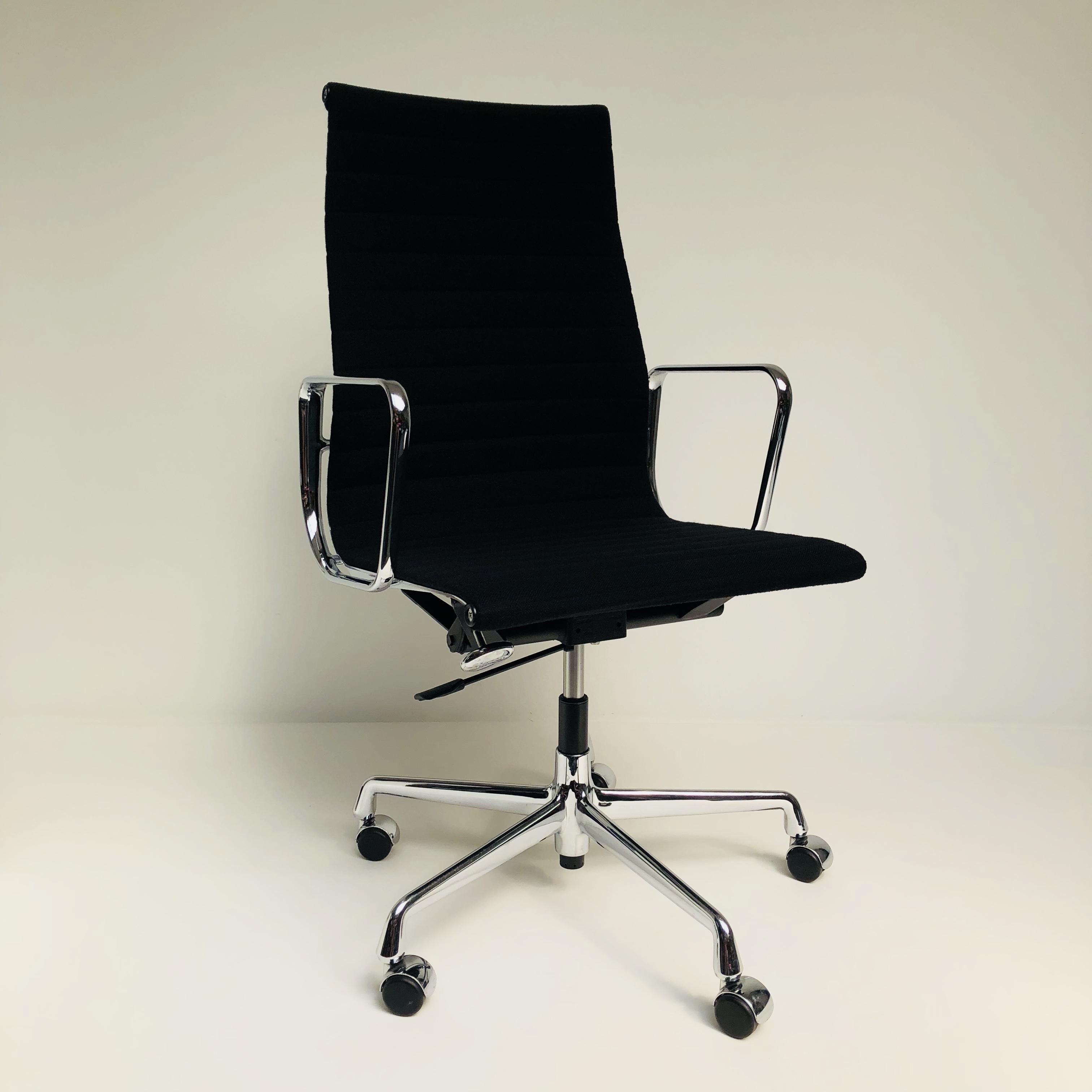 ea 119 bureaustoel vitra hello design classics. Black Bedroom Furniture Sets. Home Design Ideas