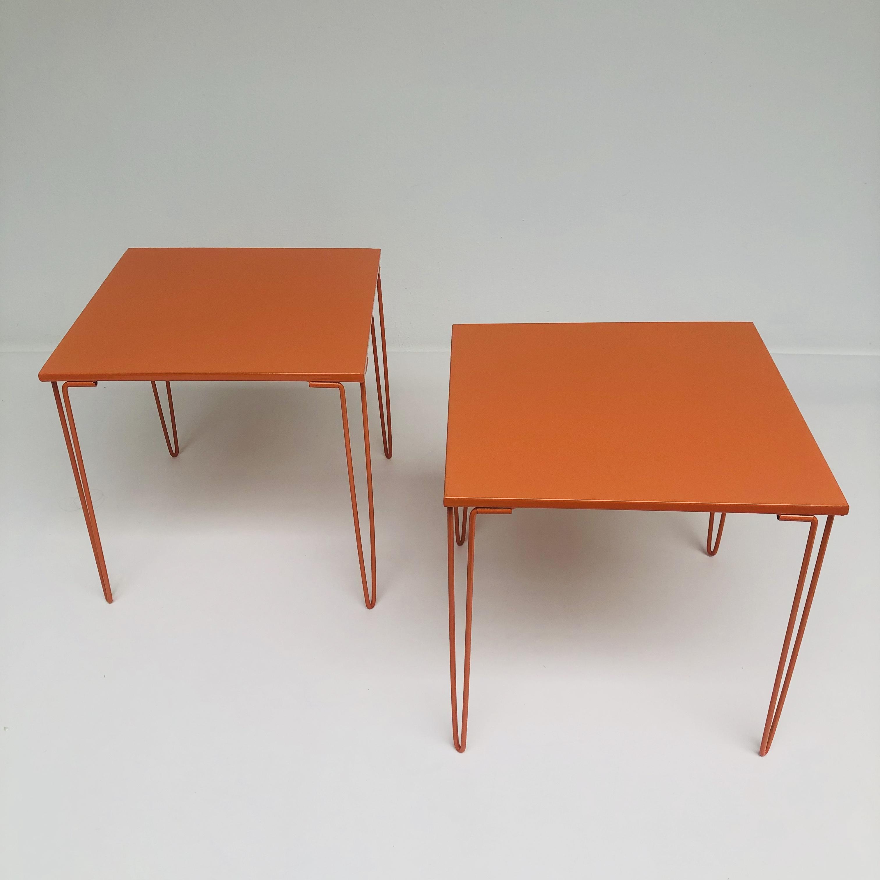 3 Vintage Bijzettafeltjes.Vintage Oranje Ijzeren Bijzettafeltjes Jaren 70