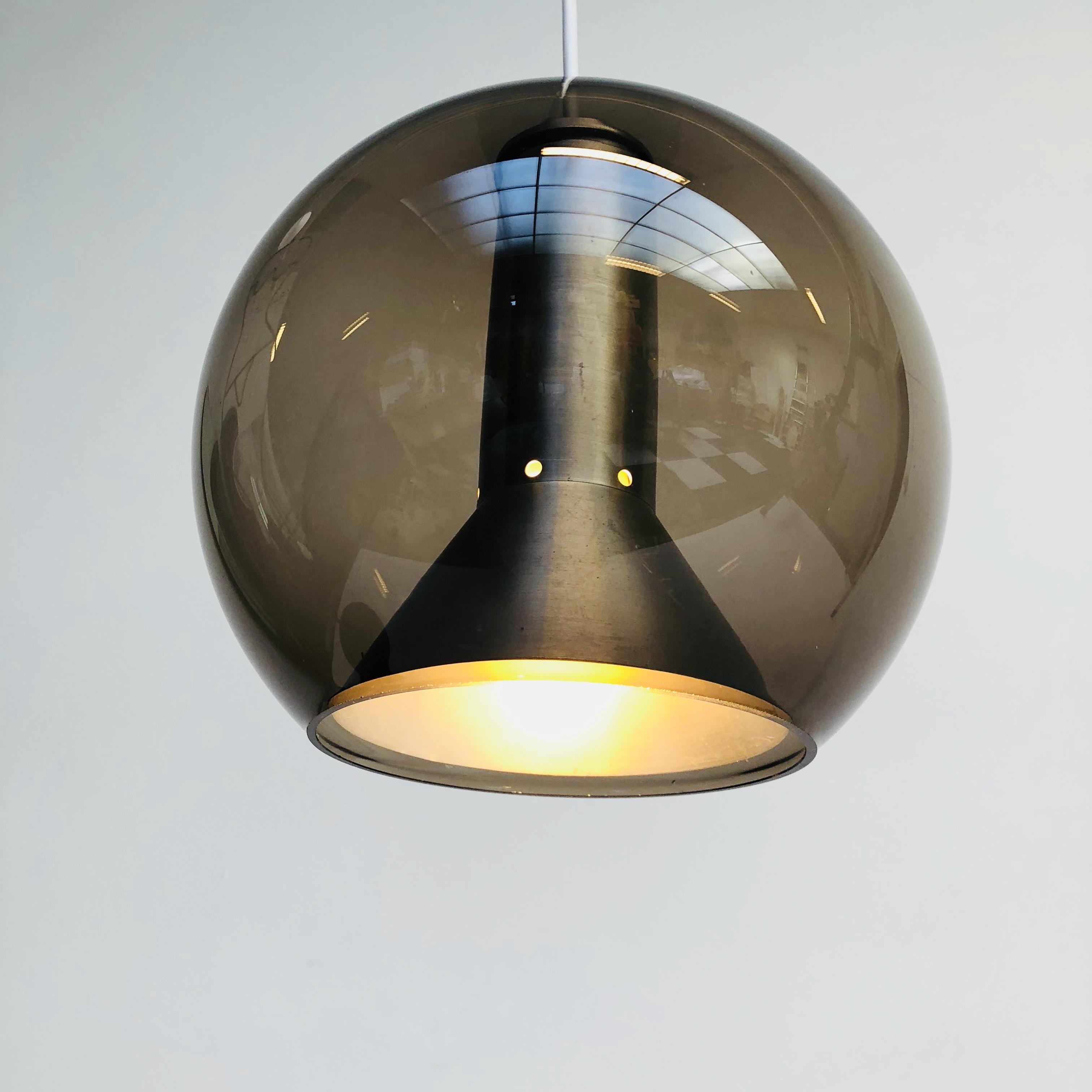 Globe Hanglamp Raak by Frank Ligtelijn '60